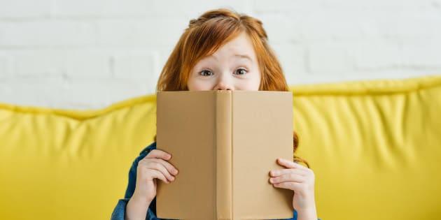 Un livre avec le petit garçon qui s'envoie en l'air dans une fusée rouge et blanche a l'air autrement plus fun. Mais si ma fille rêve d'être astronaute, ou de se prendre pour Tintin, tant pis pour elle.