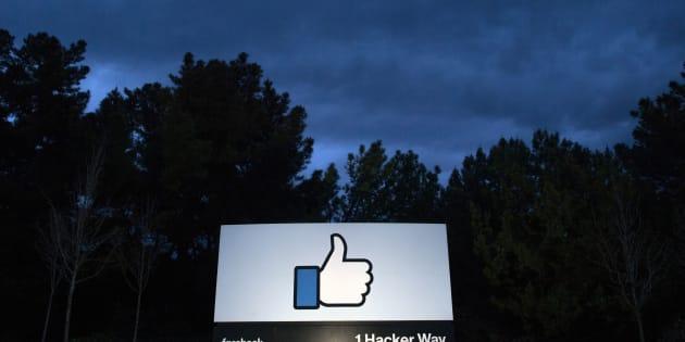 Facebook a annoncé jeudi 7 mars qu'il allait lutter activement contre les messages de désinformation circulant sur le réseau et mettant en cause les vaccins.