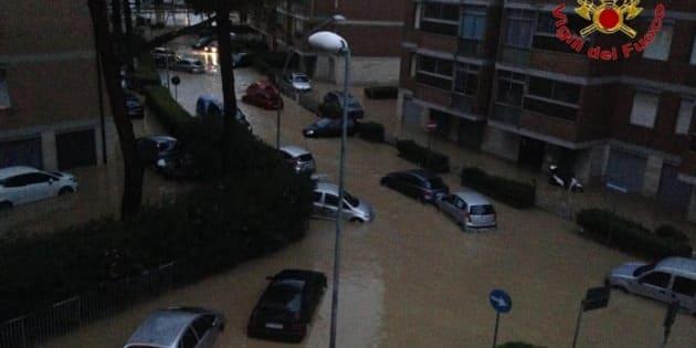 Las calles inundadas de Livorno, Italia.