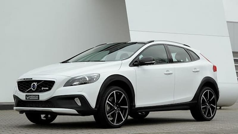 heico jacks up volvo v40 cross country to create xc40 autoblog. Black Bedroom Furniture Sets. Home Design Ideas