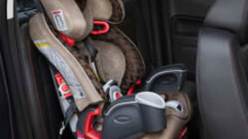 GMC Canyon\'s jump seats innovate to keep kids safe [w/video] - Autoblog