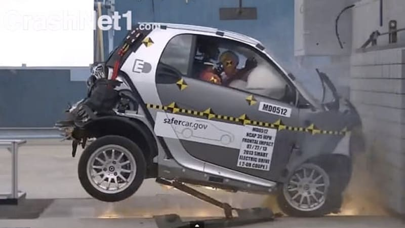 It May Be Small But The 2017 Smart Fortwo Ed Recently Managed To Score Four Stars Overall In New National Highway Traffic Safety Ociation Tests