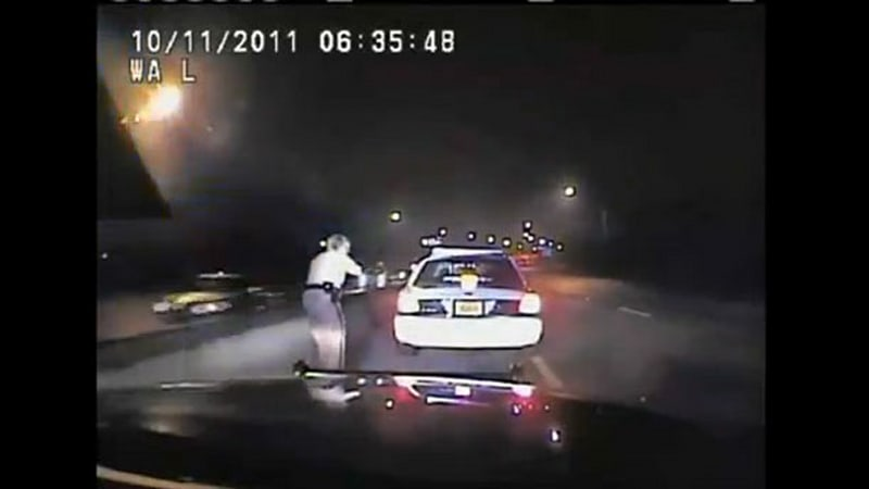 FL officer who gave fellow cop 120-mph ticket now suing over police