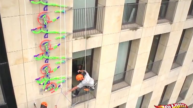 Hot Wheels builds world's highest wall track