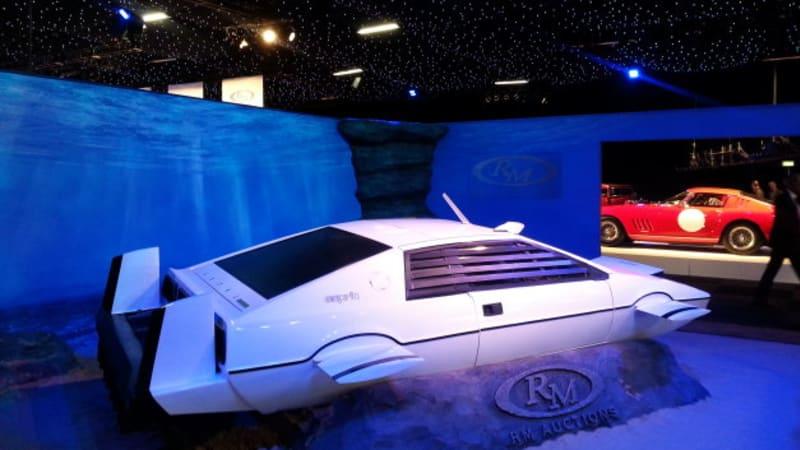 Elon Musk Buys James Bond S Lotus Submarine Wants To