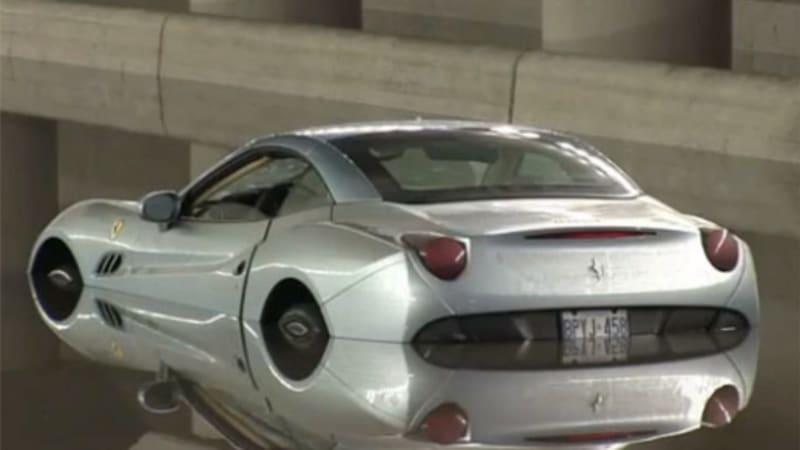 Ferrari Mythos [1:24 Tamiya, réf. 24104] 2010-Ferrari-California-flooded-in-toronto
