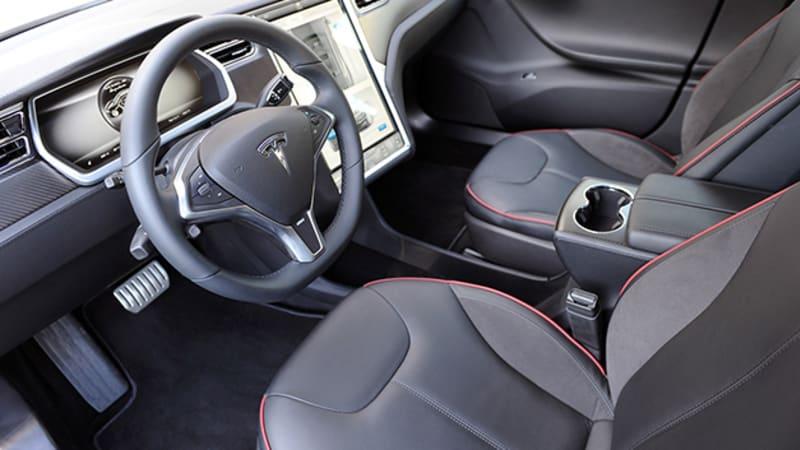 Tesla driver blames 'new car smell' in fatal cyclist crash