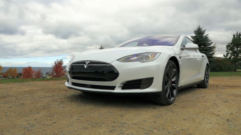 2016 Tesla Model S P90D Beauty-Roll