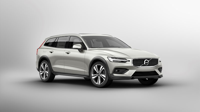 V60 Cross Country 2019 >> 2019 Volvo V60 Cross Country Wagon Fully Revealed Autoblog