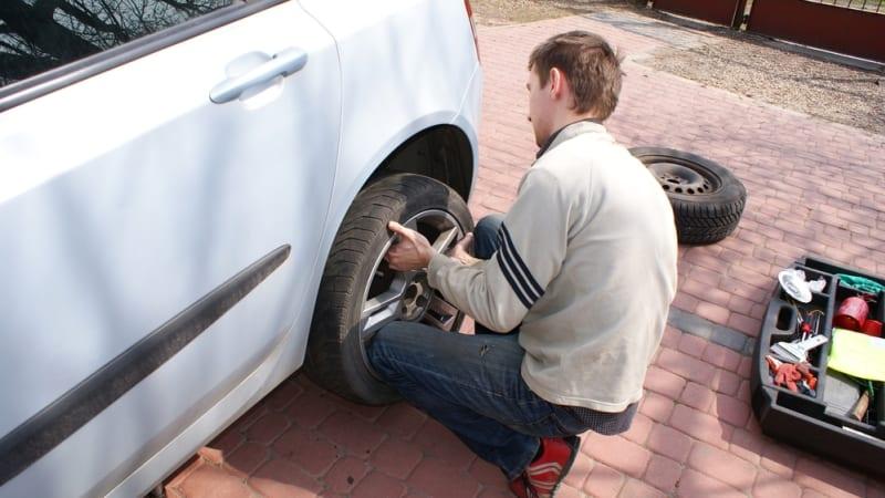 Check Tire Pressure >> When Seasons Change Check Your Tire Pressure Autoblog