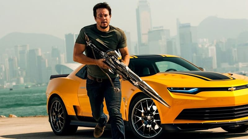 Actor Mark Wahlberg Opens Chevy Dealership In Columbus Ohio Autoblog