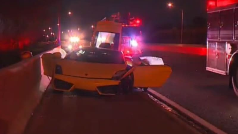 Wrecked rental Lamborghini abandoned on Texas tollway | Autoblog