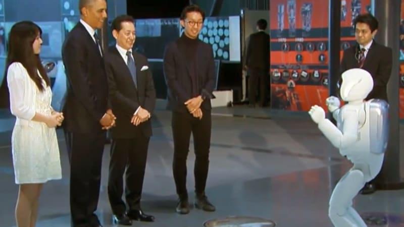 Watch Obama kick the ball around with Honda's latest ASIMO