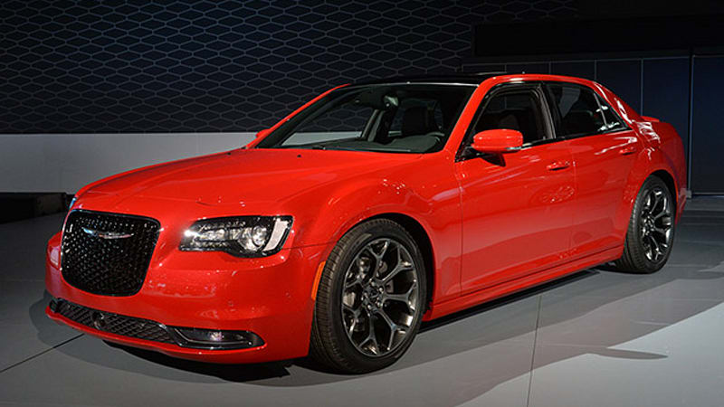 2015 chrysler 300 swaggers into la auto show w video. Black Bedroom Furniture Sets. Home Design Ideas