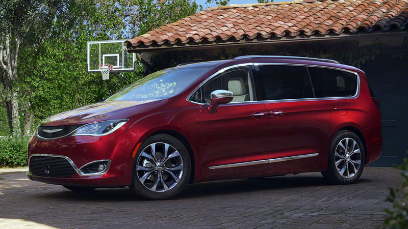 2017 Chrysler Town And Country >> 2017 Chrysler Pacifica Isn T Your Parents Town Country W Video