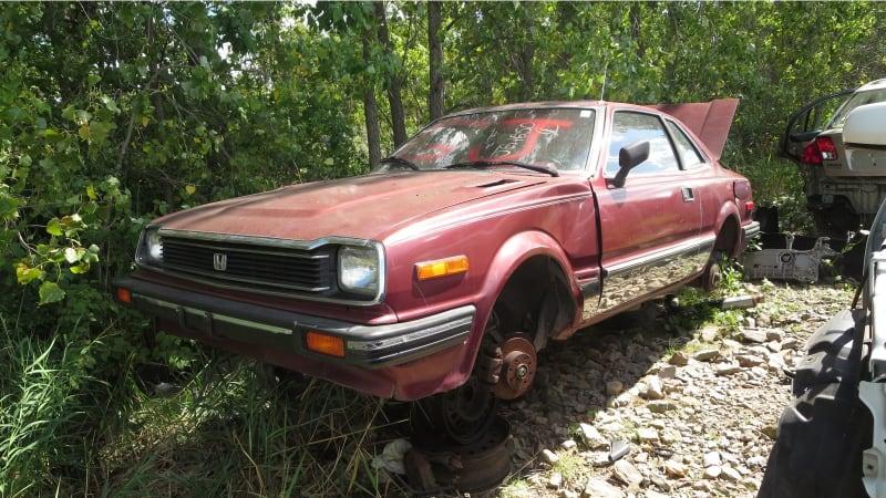00+-+1982+Honda+Prelude+in+Wisconsin+wrecking+yard+-+photo+by+Murilee+Martin.jpg