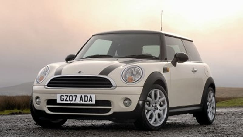 53 5mpg Mini Cooper D Is Now Available For In Britain