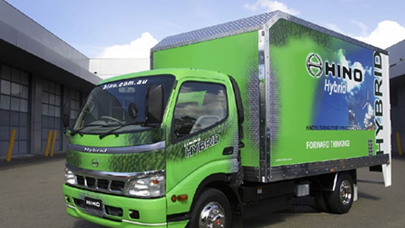 Australia: Hino Hybrid introduced, completes 24-hour