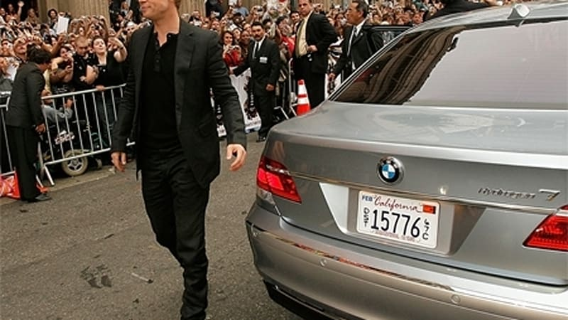 Brad Pitt thinks BMW\'s Hydrogen 7 is perfect for Ocean\'s 13 premiere ...