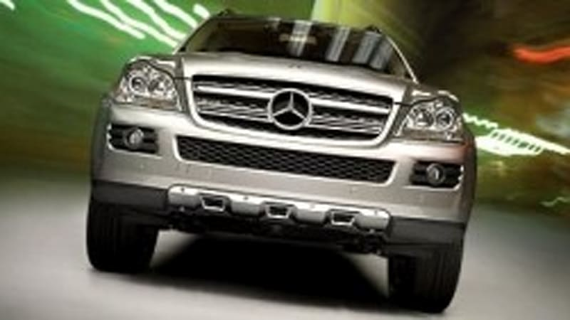 Video motorweek reviews mercedes benz 39 s clean diesel suv for 2008 mercedes benz r350 recalls