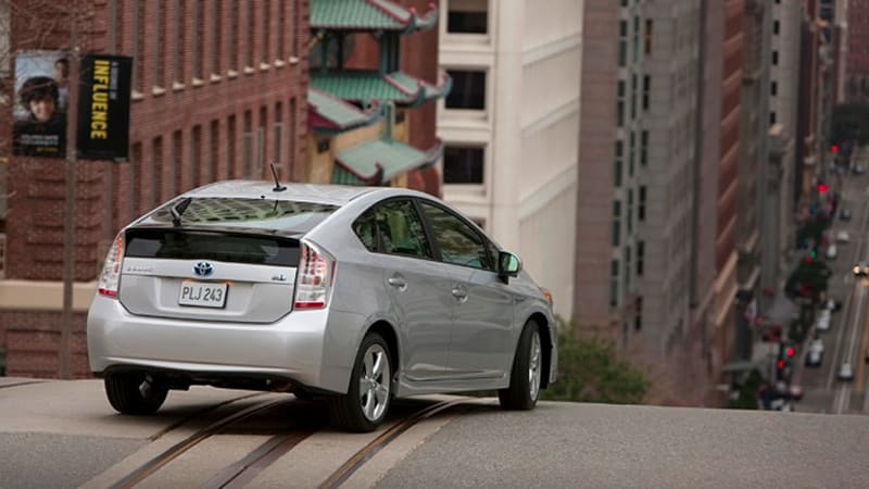 Report Toyota To Extend Recall Run Prius And Lexus Hs Over Braking Issue