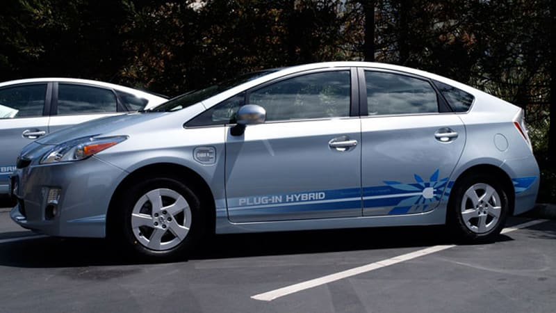 Toyota Prius Plug In Hybrid Won T Compete With Leaf Or Volt