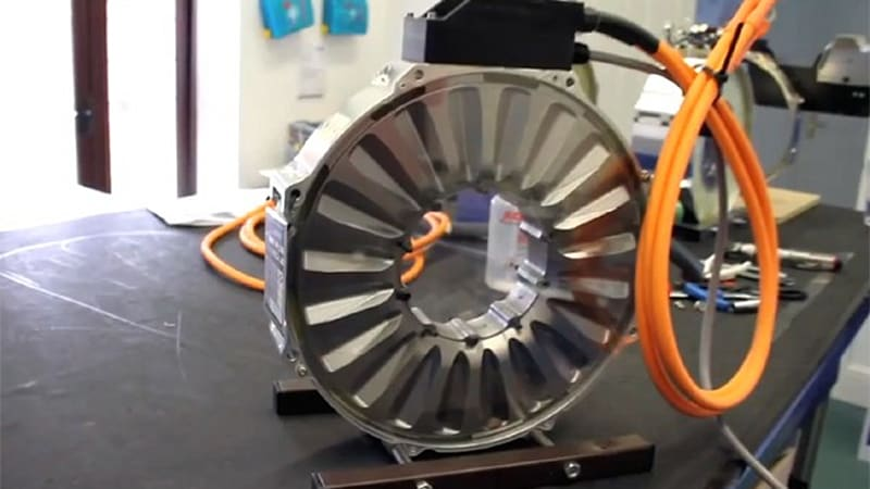 VIDEO: Fully Charged pays a visit to Oxford YASA Motors | Autoblog