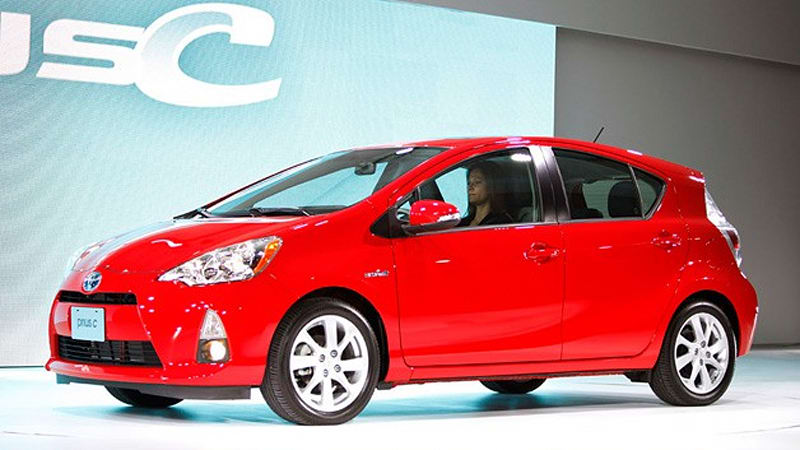 Perhaps The C In Prius Stands For Ka Ching According To Reports Toyota Japan Received 10 Times Its Monthly Sales Target Pre Orders
