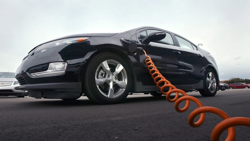 OnStar EcoHub app tracks price of electricity used to charge Chevy