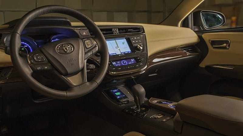 Toyota Avalon Hybrid Will Have Wireless Charging But Not The Way You Think W Video Autoblog