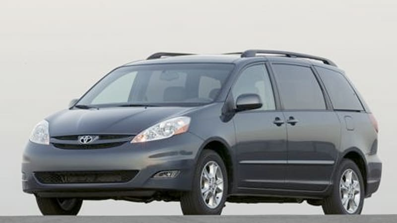 Toyota Fixing 600 000 Sienna Doors But It S Not A Recall Mind You Autoblog