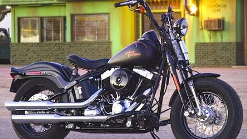 Harley flies the skull and cross bones with new FLSTSB Softail ... edc525414a9