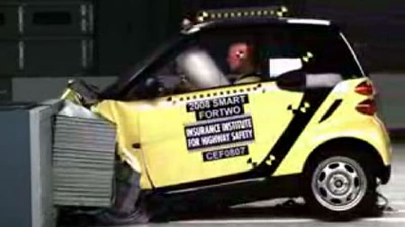 The Iihs Has Put 2008 Smart Fortwo Through Its Frontal Offset Crash Test And Video Is On You Even Though Hasn T Released Results