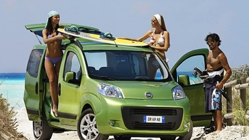 paris preview fiat fiorino qubo for the young folk autoblog. Black Bedroom Furniture Sets. Home Design Ideas