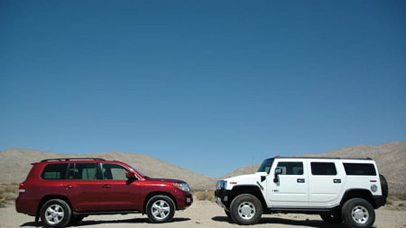 Autoblog Comparo: Moving Mountains - Toyota Landcruiser vs. Hummer