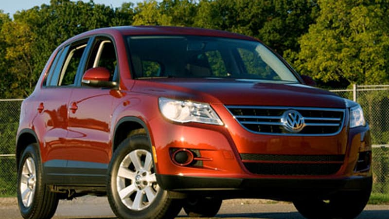review 2009 volkswagen tiguan s autoblog. Black Bedroom Furniture Sets. Home Design Ideas