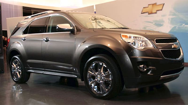 video 2010 chevy equinox inside and out autoblog. Black Bedroom Furniture Sets. Home Design Ideas