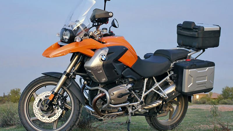 review 2009 bmw r 1200 gs autoblog. Black Bedroom Furniture Sets. Home Design Ideas