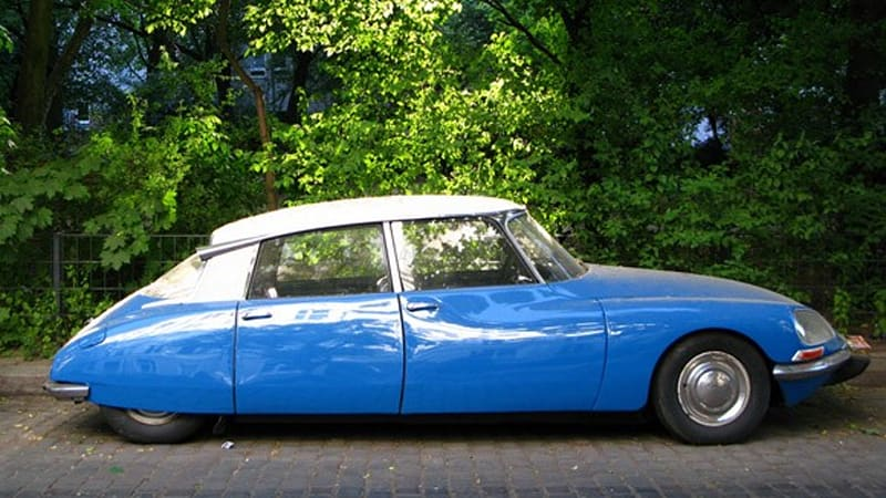click above for a high res gallery of the citroen ds