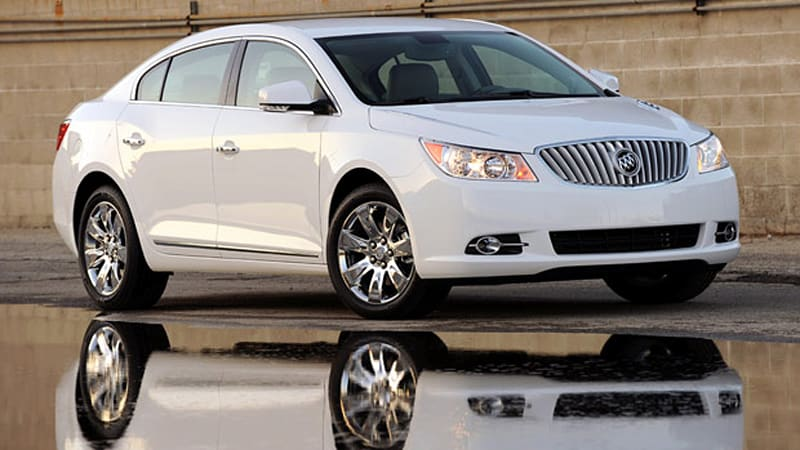 Review 2010 Buick Lacrosse Cxl Aims Upmarket And Almost
