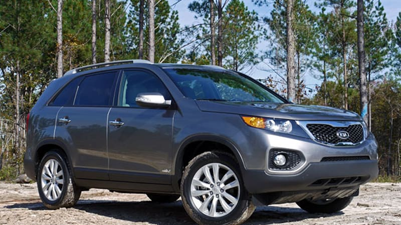 first drive 2011 kia sorento finally crosses over autoblog. Black Bedroom Furniture Sets. Home Design Ideas
