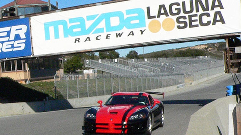 Video 2010 Dodge Viper Acr Makes The Rounds At Laguna Seca Sets Track Record Autoblog