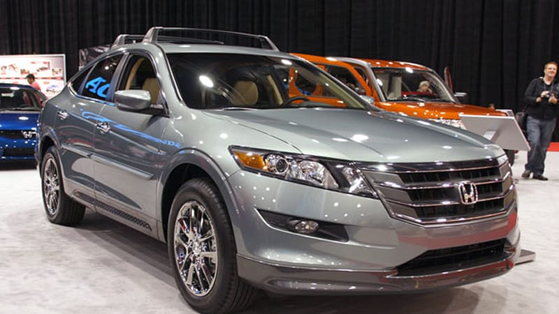Sema 2009 Honda Accord Crosstour Straps On Some Factory Accessories