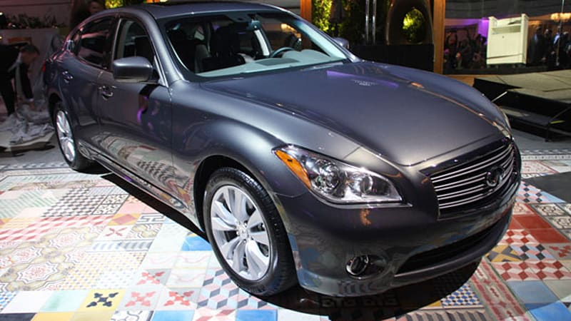2011 Infiniti M Wraps Tons Of Tech In An Attractive Wrapper Hybrid