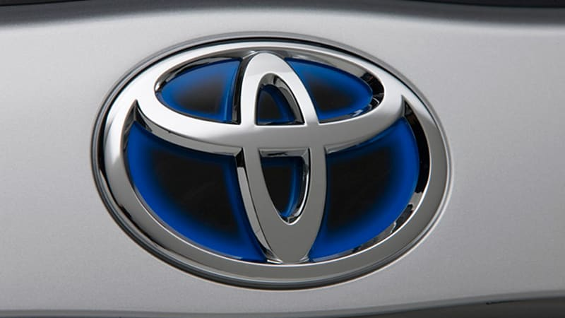 Toyota reportedly mulling longer warranties, cash incentives