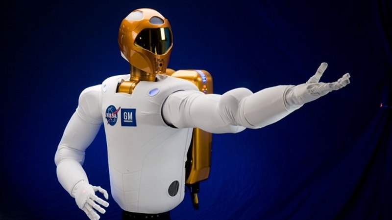 GM teaming up with NASA to build robots  Suck it, Asimo [w