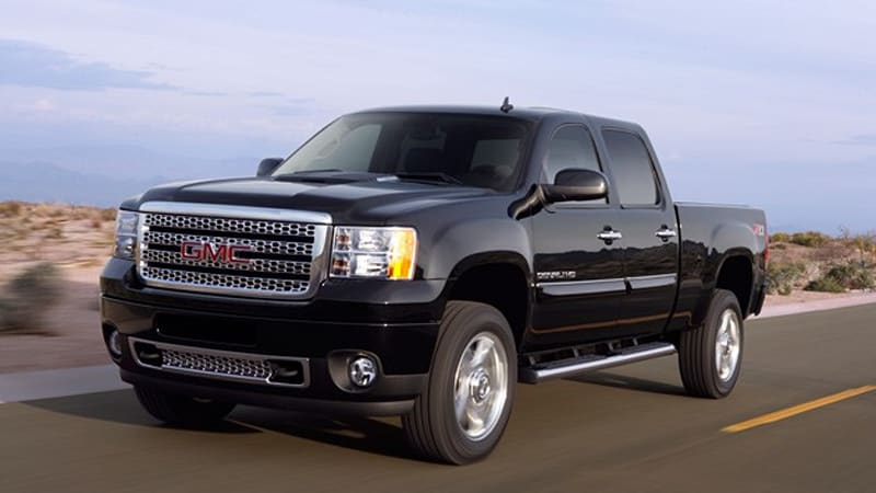 GM quickly one-ups Ford with 2011 Duramax diesel ratings, shows off