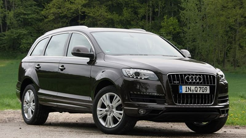 Audi Q7 Suv Equipped With New 3 0 Liter V6 Tdi Returns 32 7 Mpg
