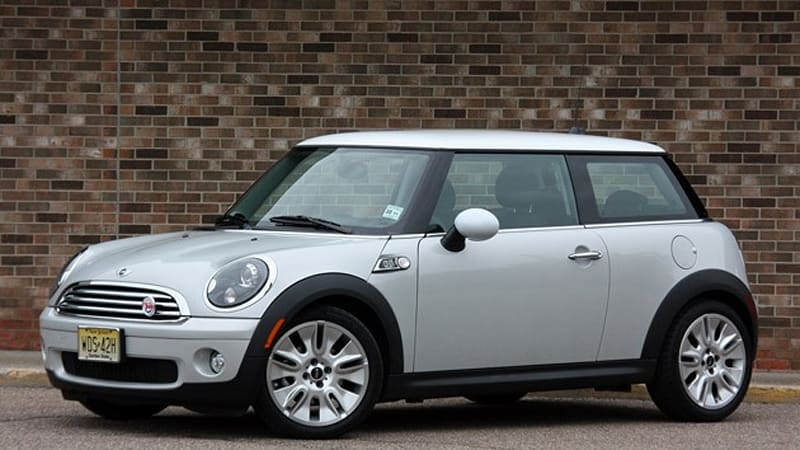 Review 2010 Mini Cooper 50 Camden Edition Speaks To Us Literally Autoblog
