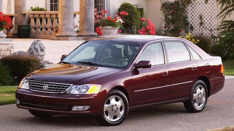 breaking toyota to recall 373 000 2000 2004 avalon sedans in u s over faulty steering locks autoblog recall 373 000 2000 2004 avalon sedans